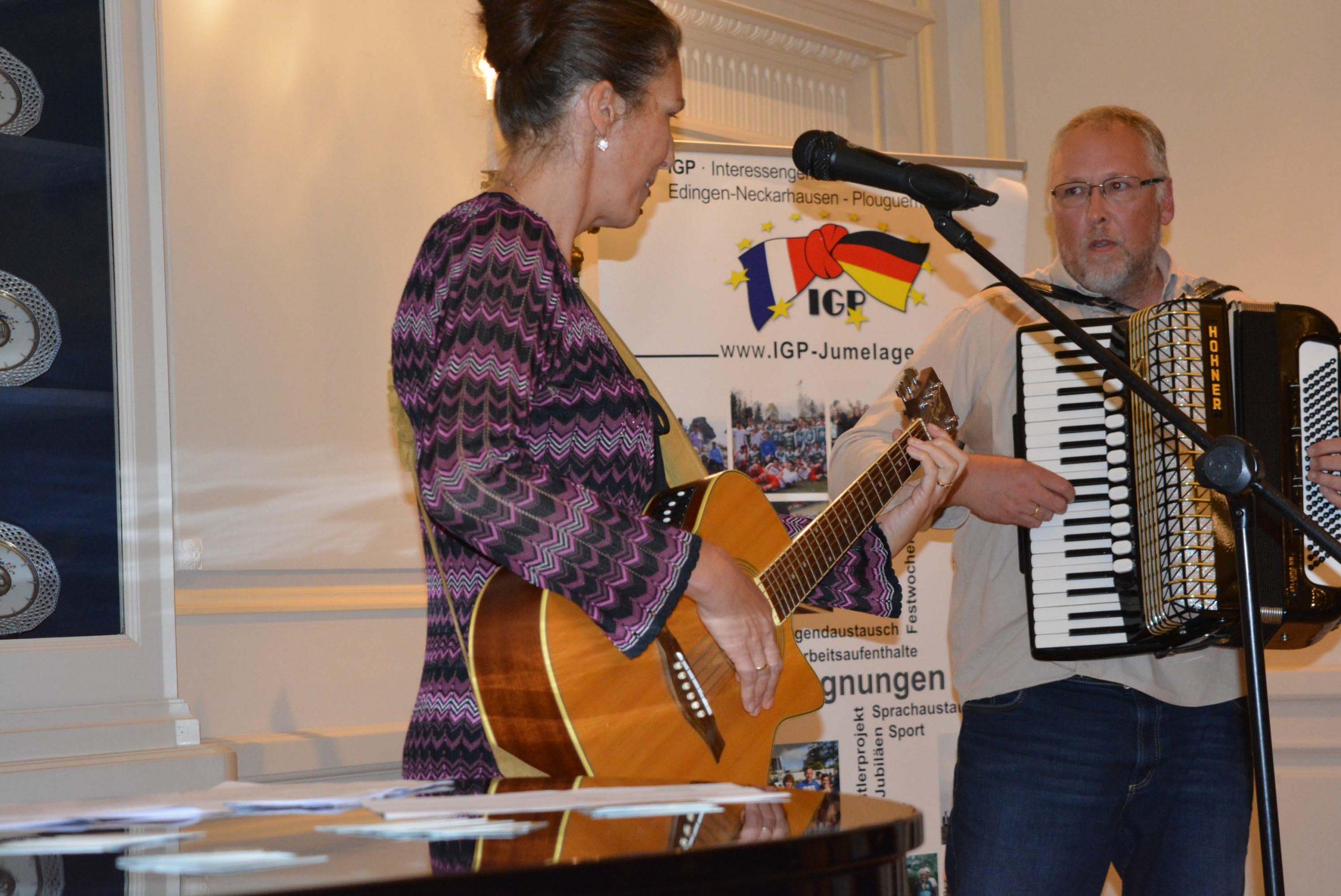 Susanne und Roland Surblys im Gesang für die Französische Woche in Heidelberg
