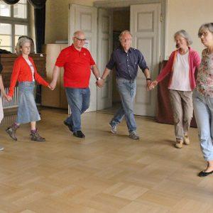 Les membres de l'IGP e.V. danse sur de la musique bretonne