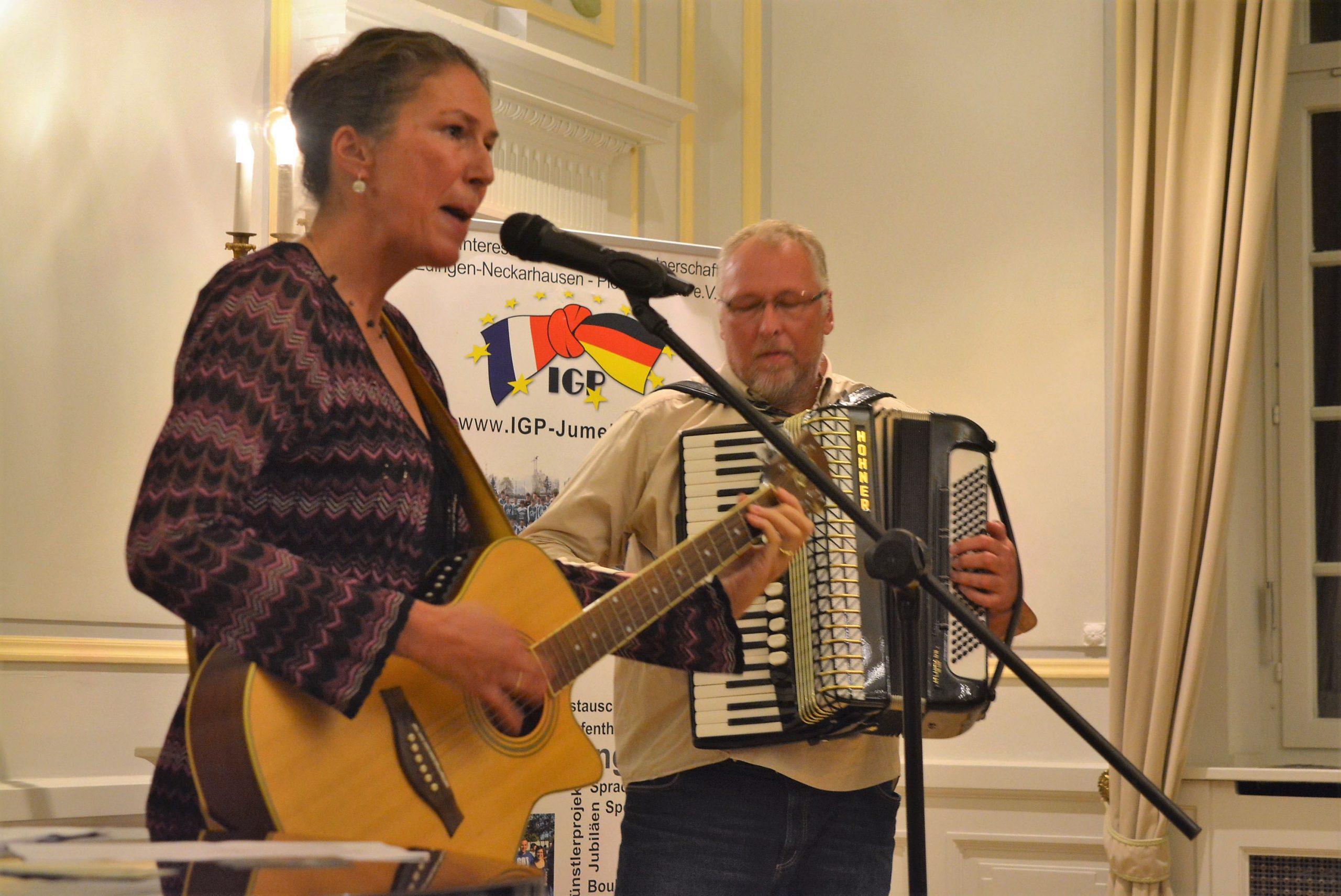 Susanne et Roland Surblys en chanson pour la Semaine française de Heidelberg