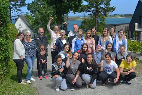 Les handballeuses de l'association TV Edingen à Plouguerneau